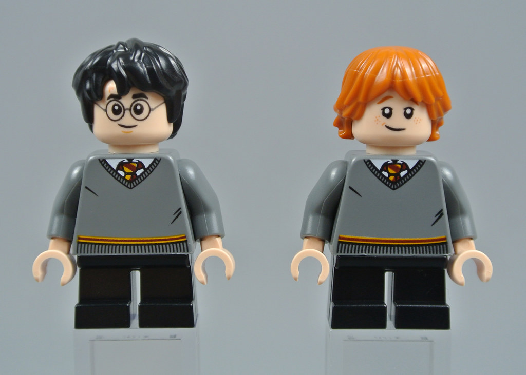 BRAND NEW from 75954 Harry Potter 2018 Lego Ron Weasly Minifigure