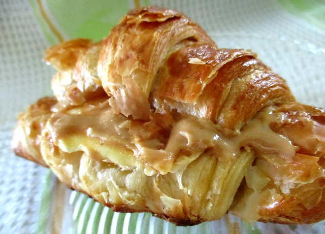 iBake croissant with butter & peanut butter