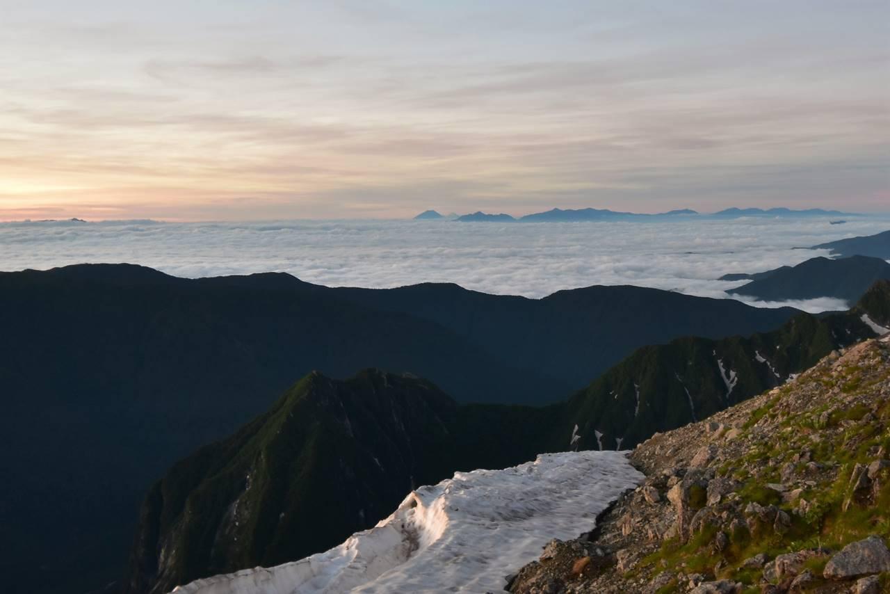 南岳からの雲海と富士山
