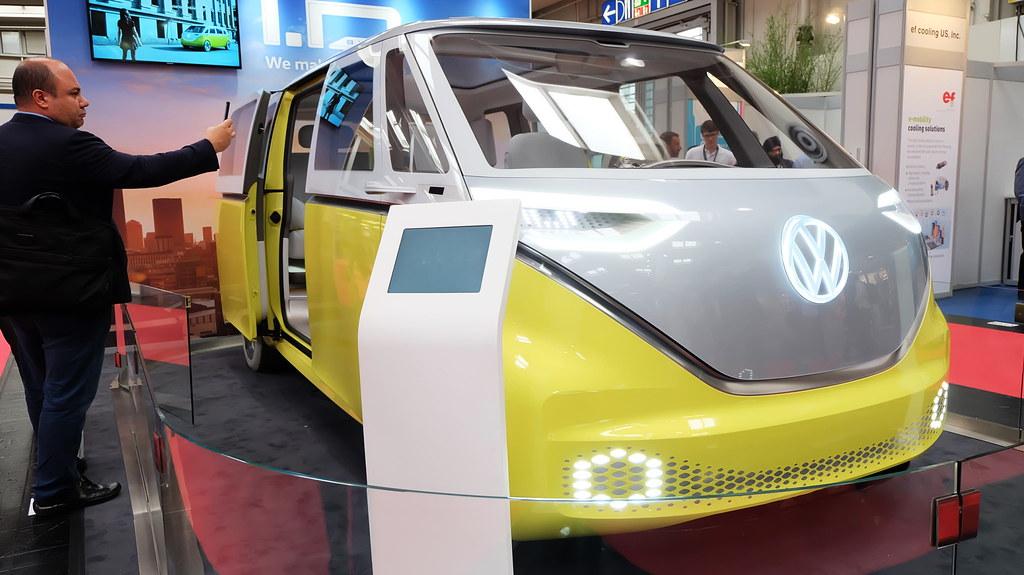 福斯推出I.D. BUZZ 八人座電動休旅車款