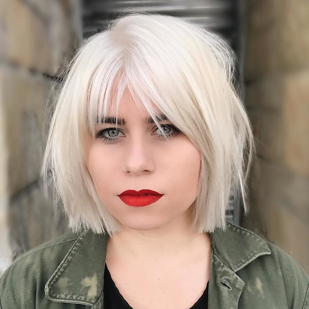Platinum Choppy Bob With Parted Fringe Bangs And Undone St Flickr