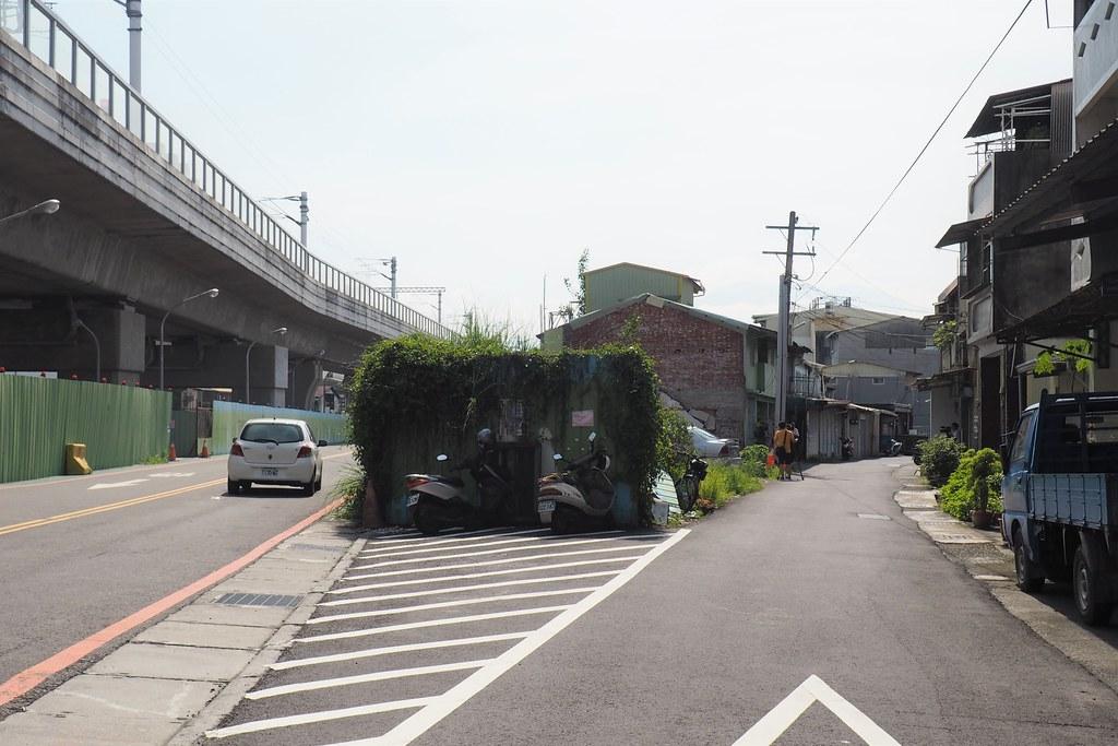 屏東縣政府欲拆遷公勇路民宅新建一條新的12米道路。攝影:李育琴