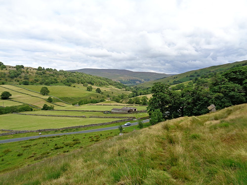 Looking back down Langstrothdale towards Buckden Pike