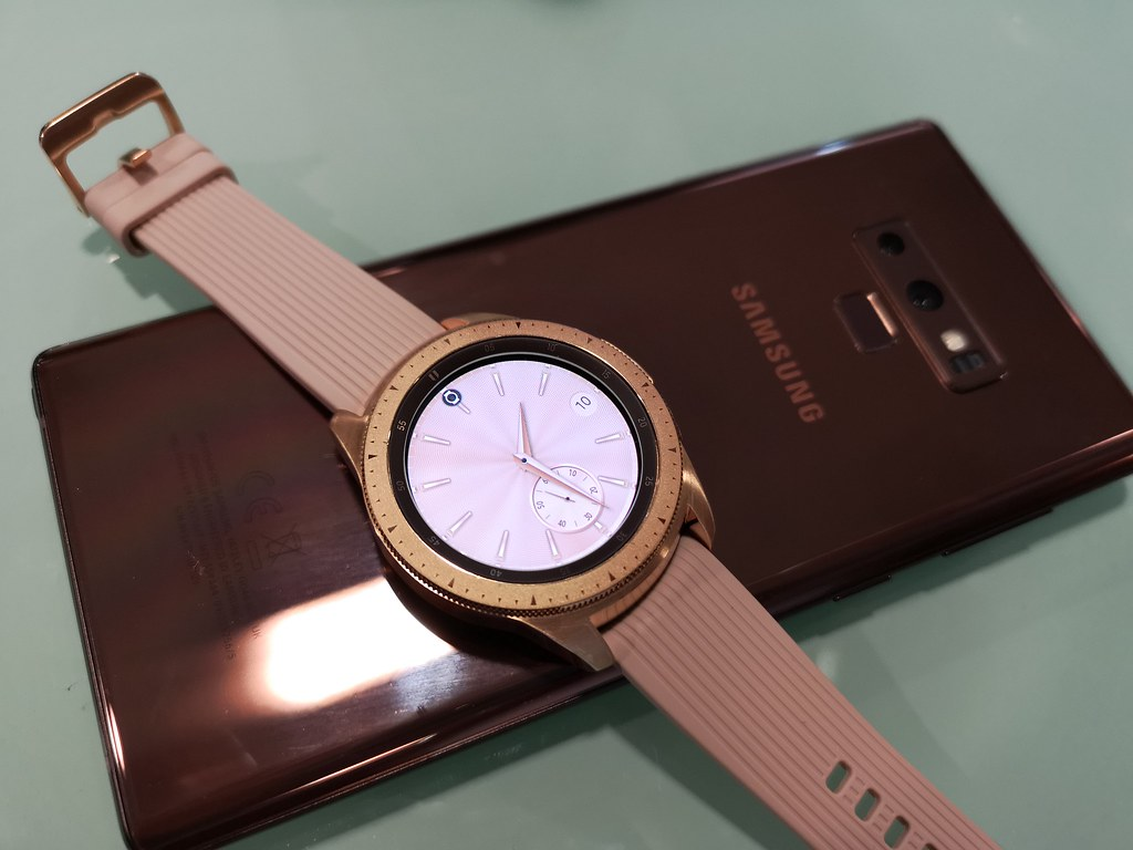 The rose gold Samsung Galaxy Watch looks great paired with the Metallic Copper Galaxy Note9.