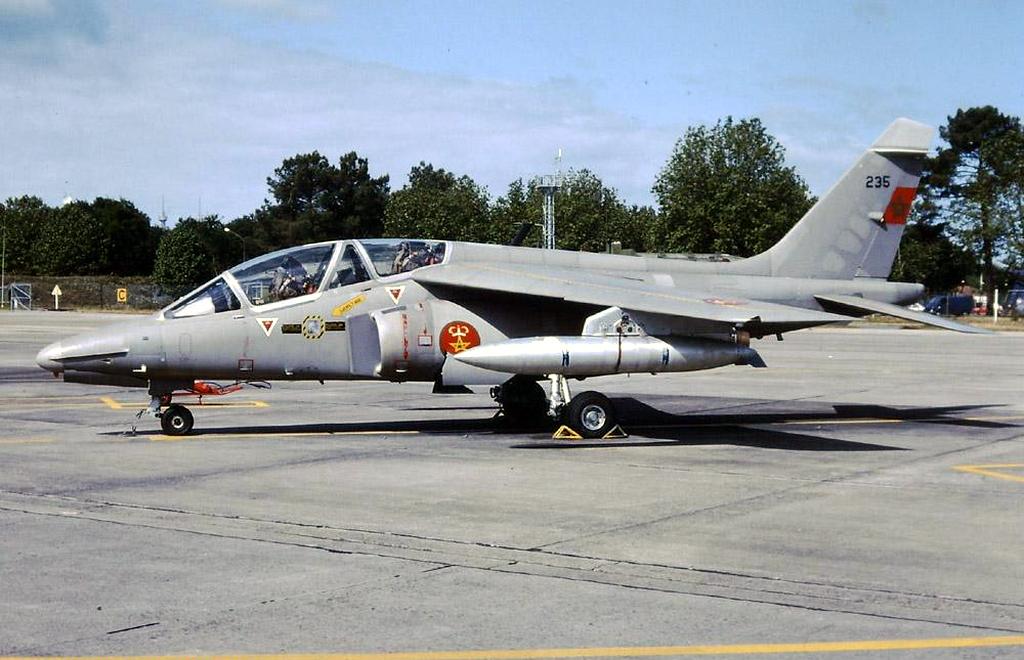 FRA: Photos avions d'entrainement et anti insurrection - Page 9 42738346735_4d6a135475_o