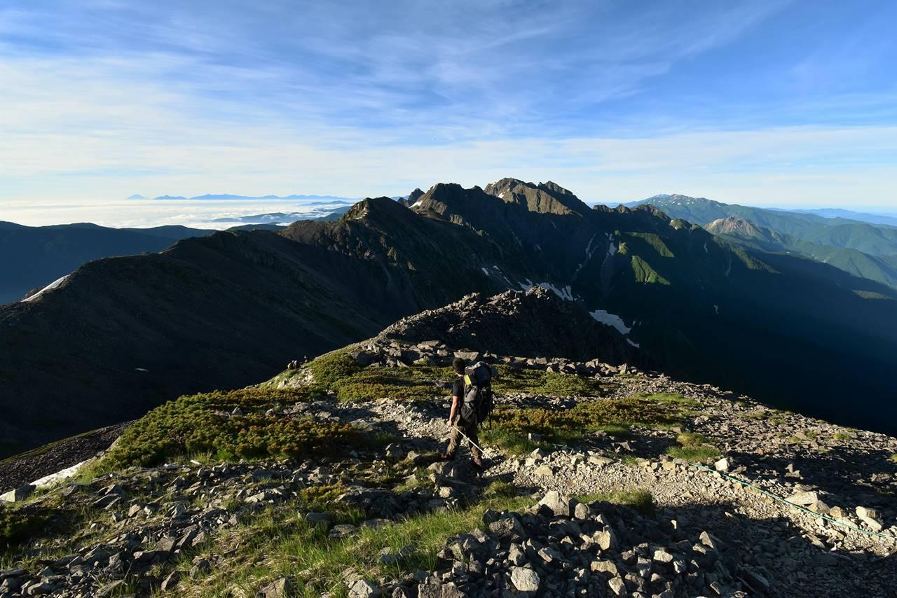 中岳から眺める南岳~穂高岳