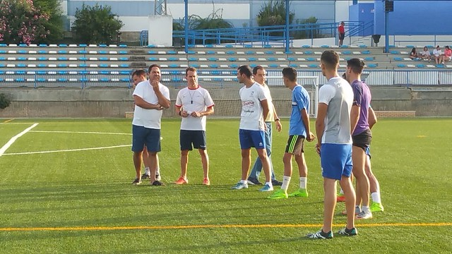 AionSur: Noticias de Sevilla, sus Comarcas y Andalucía 43803198001_83771ee358_z_d Arranca el proyecto de Arias en el CD Arahal Deportes Fútbol