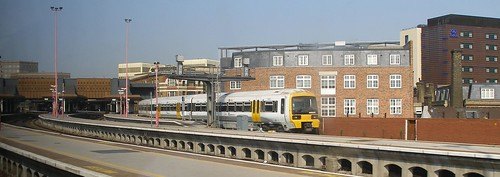 how to get to excel london by train