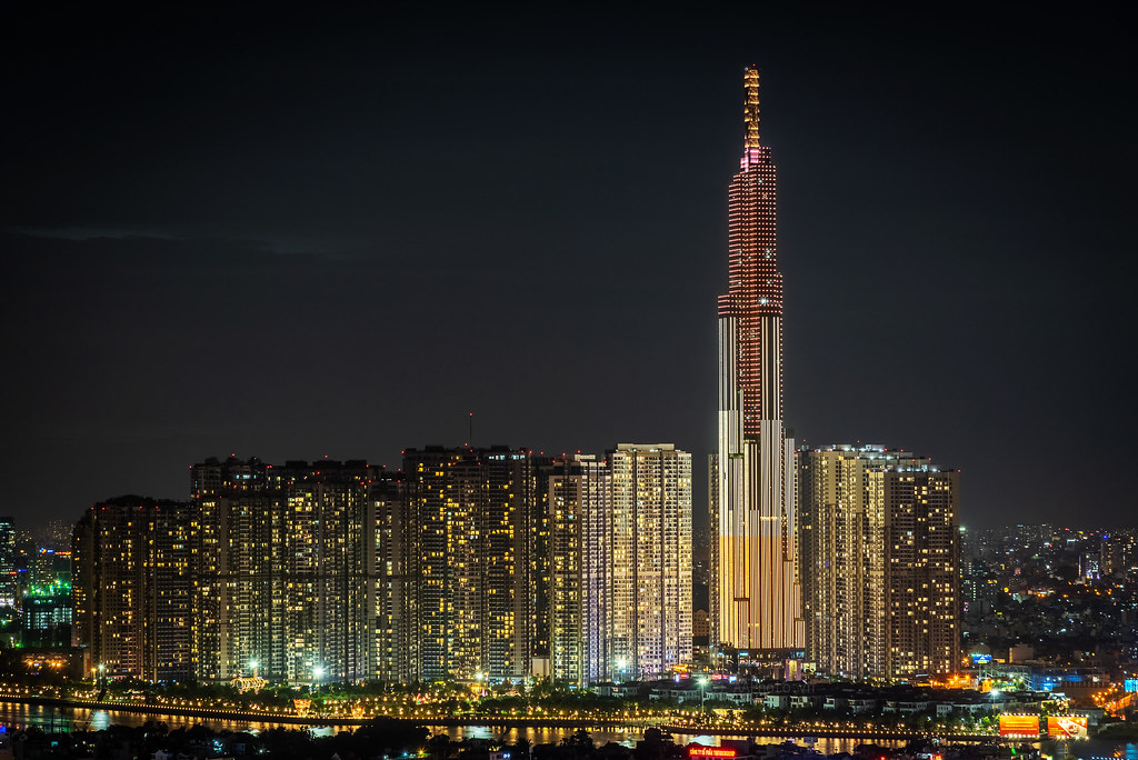 Tháp The Landmark 81 trong tổng thể dự án khu đô thị Vinhomes Central Park do Vingroup phát triển.