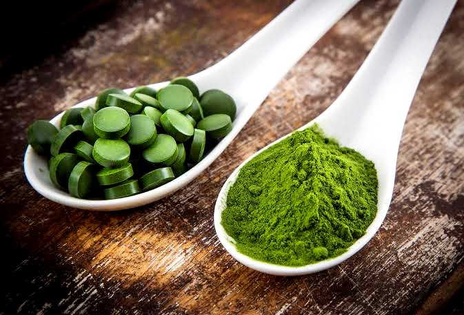 Best superfoods Chlorella pouder and pills form