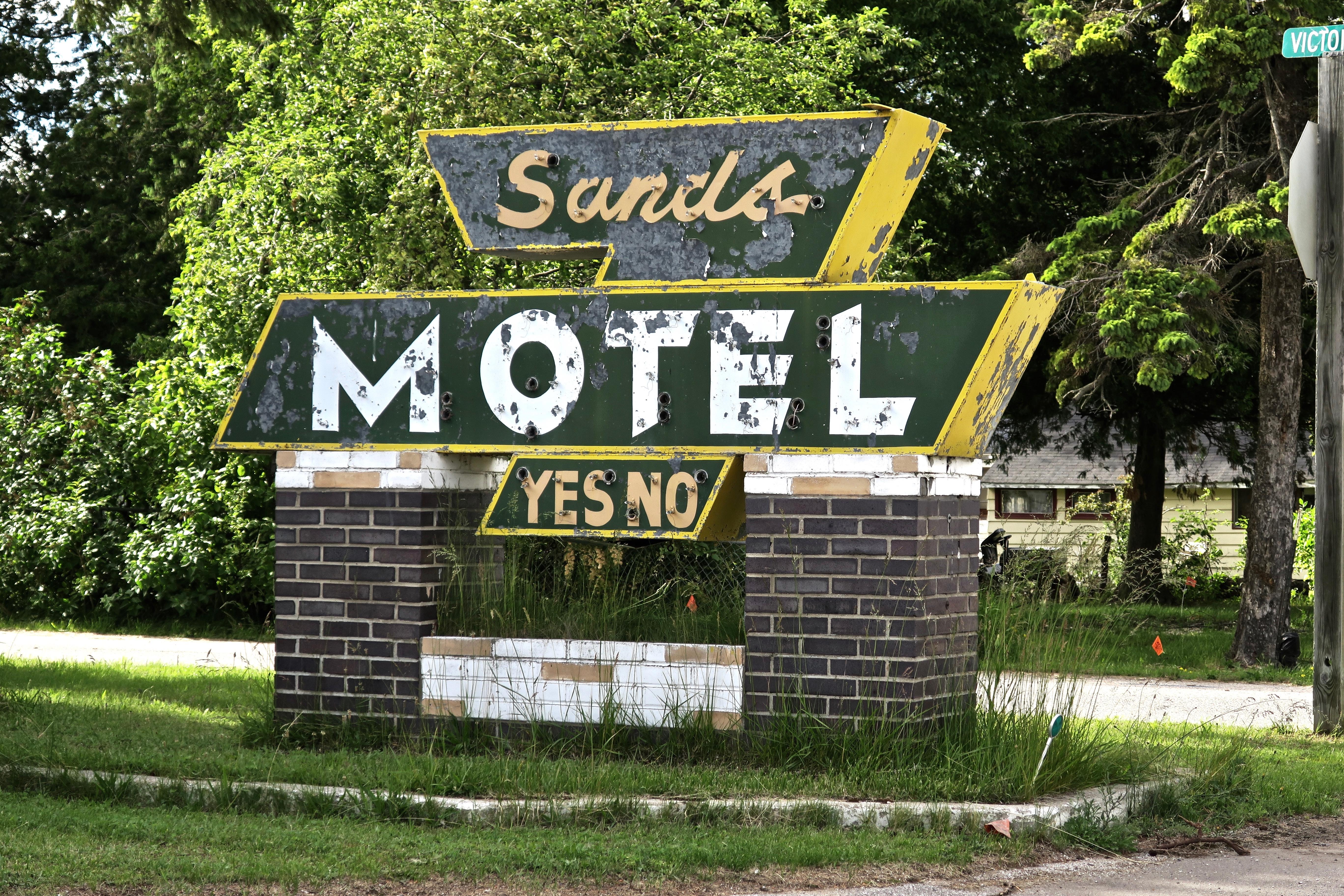 Sands Motel - Saint Ignace, Michigan U.S.A. - July 1, 2017