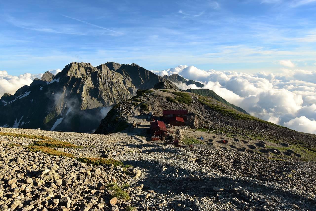 南岳小屋と穂高岳