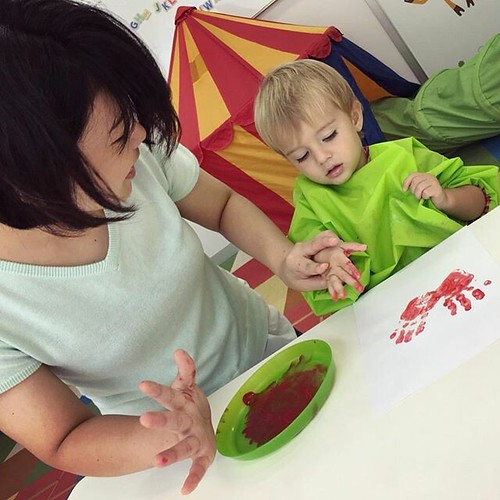 Tiny handprints leave big impressions on our hearts ❤️ #preschool #daycare #artsandcrafts #handprint #art #red #tokyo #japan #東京 #アート #子ども #保育園 #幼稚園 #港区 #港区ママ | by Star Kids International Preschool