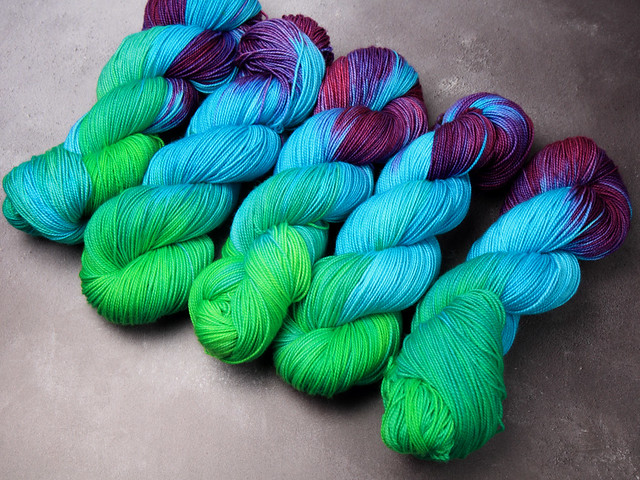 Favourite Sock – pure Merino wool superwash hand-dyed 4 ply yarn 100g – 'Refraction'
