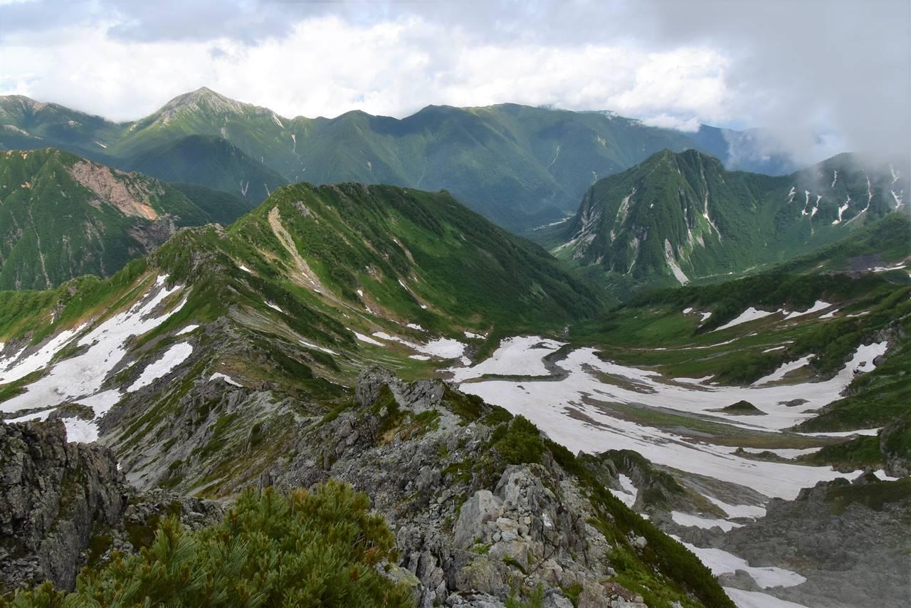 南岳 天狗池ルートの岩稜