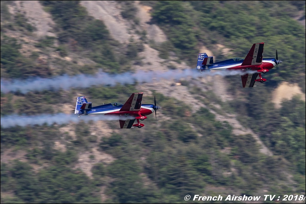 Voltige synchronisée Equipe de Voltige de l'Armée de l'Air , Extra 330SC , Patrouille acrobatique EVAA , Meeting Aérien Gap-Tallard 12 mai 2018 - Alpes-Envol , Association AGATHA Canon EOS , Sigma France , contemporary lens , Meeting Aerien 2018