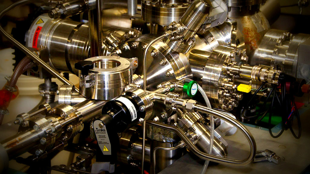 The team uses a Scanning Tunnelling Microscope (STM) to inject atoms onto a surface in a precise pattern, enabling them to build nanoscale devices more quickly and easily than before