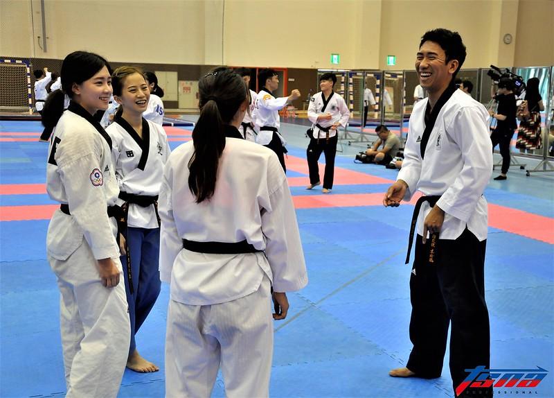 韓籍教練李珍鎬(圖右)去年帶領世大運代表隊拿下1金3銀1銅亮眼成績。(張哲郢/攝)
