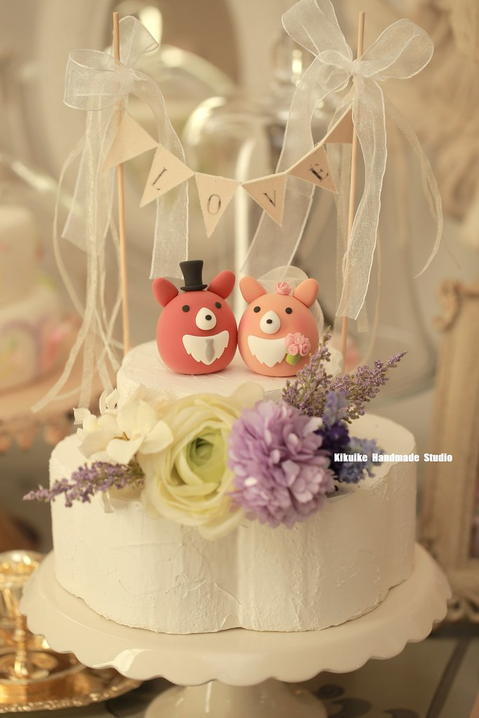 Handmade Pembroke Welsh Corgis bride and groom MochiEgg wi… | Flickr