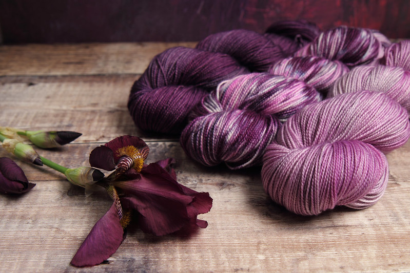 Blend In, Stand Out shawl kit in Favourite Sock pure merino