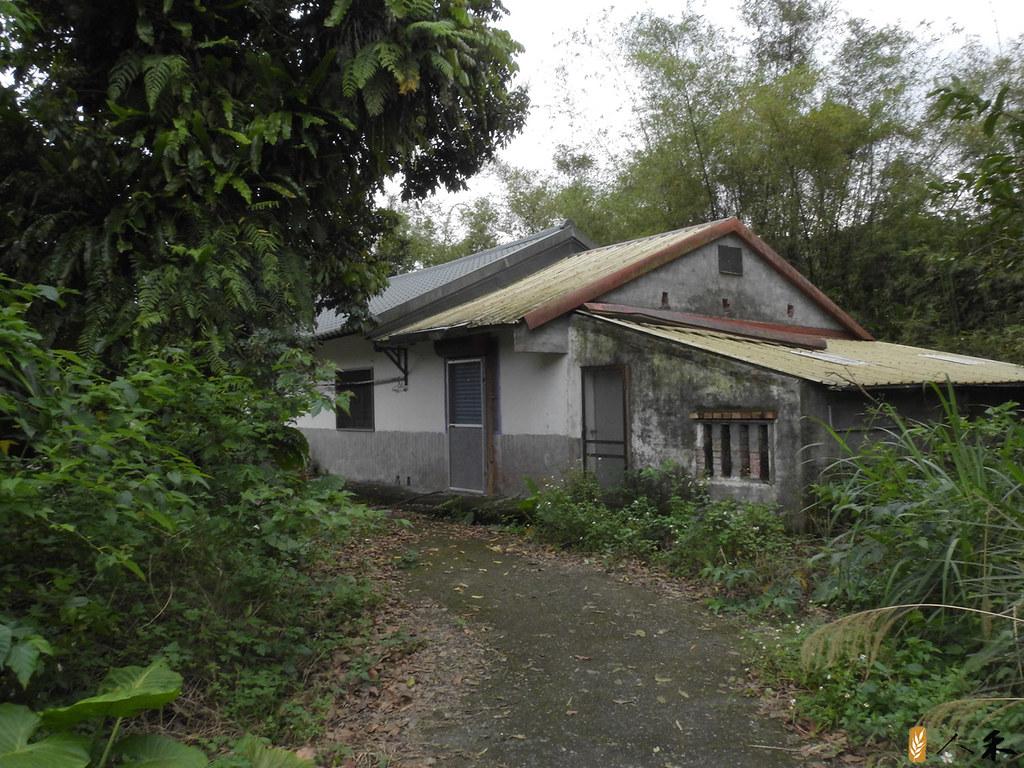 藍家後代已搬離粗坑,僅留下空蕩蕩的宅子。