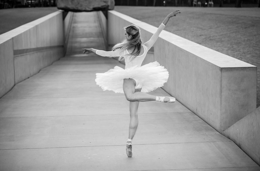 LA Beautiful Ballerina Dancing Ballet Levitated Mass LACMA