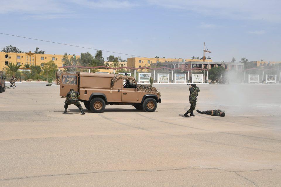 موسوعة الصور الرائعة للقوات الخاصة الجزائرية - صفحة 63 28261661998_db2ec46651_o