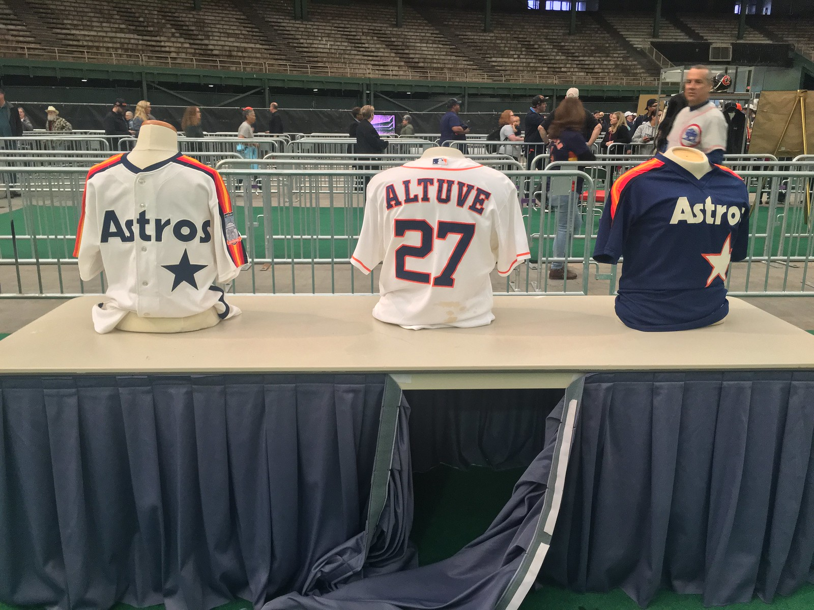 f3b903c47 Also along the route, Astros jerseys from throughout the team's history  filled the aisles. Former Astros fireballer J.R. Richard greeted fans as  they came ...