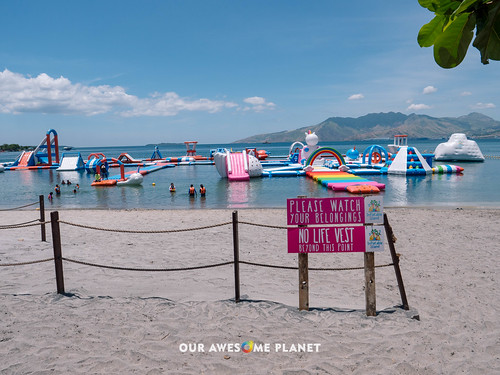 Inflatable Island-1.jpg | by OURAWESOMEPLANET: PHILS #1 FOOD AND TRAVEL BLOG