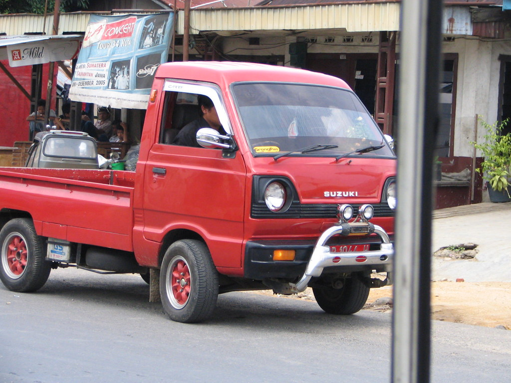 Tiny Truck Tiny Truck Super Cute Car Sized Truck Why Dont They Sell Flickr