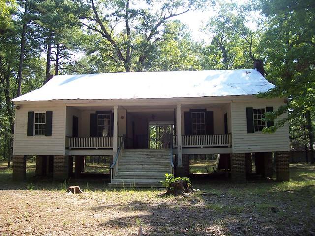 Old alexander house just outside of magnolia arkansas in for Dogtrot modular homes