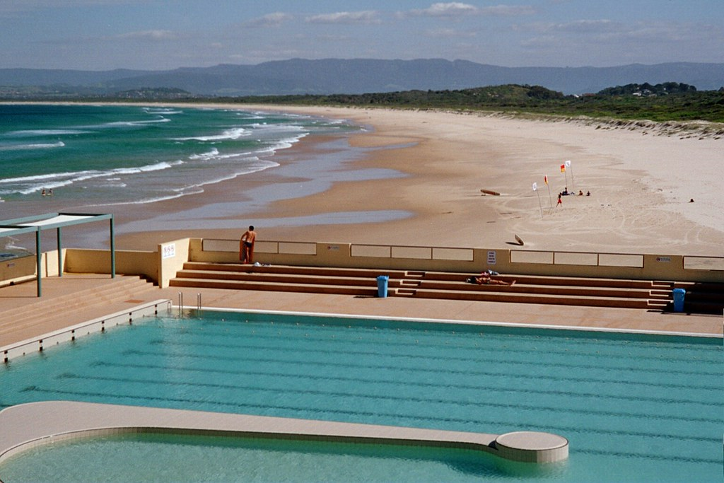Port Kembla Olympic Pool Nsw Australia View Of The Beach Flickr