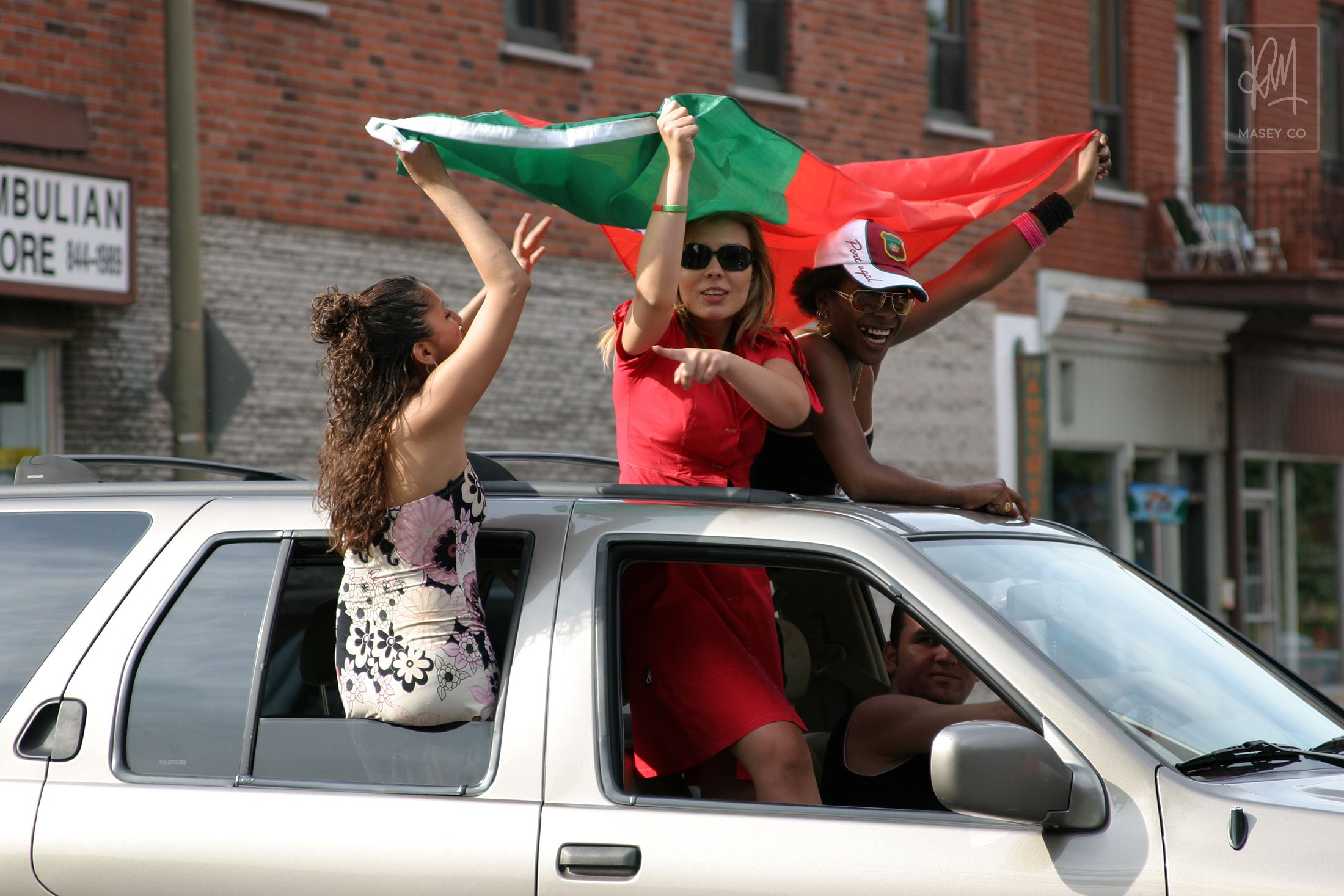 Montreal's Portuguese fans hit the streets en mass!