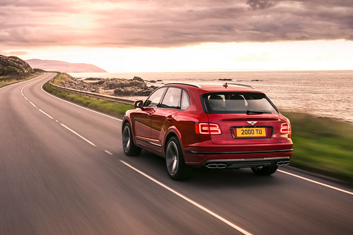 2018 Bentley Bentayga V8 - 01 | by Az online magazin