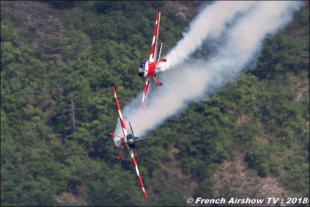 Voltige synchronisée Equipe de Voltige de l'Armée de l'Air , Extra 330SC , Patrouille acrobatique EVAA , Meeting Aérien Gap-Tallard 12 mai 2018 - Alpes-Envol , Association AGATHA , Canon EOS , Sigma France , contemporary lens , Meeting Aerien 2018
