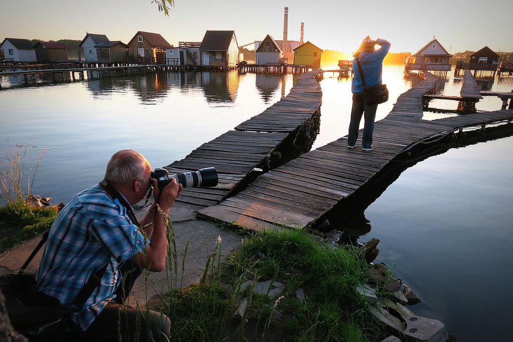 Il paradiso dei fotografi il lago di bokodi diventato for Piccoli progetti di palafitte