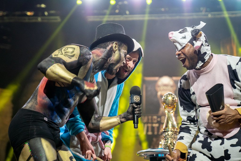 ... ROMAIN BIGEARD AND MOO COW ALISTAR COSPLAY | by lolesports