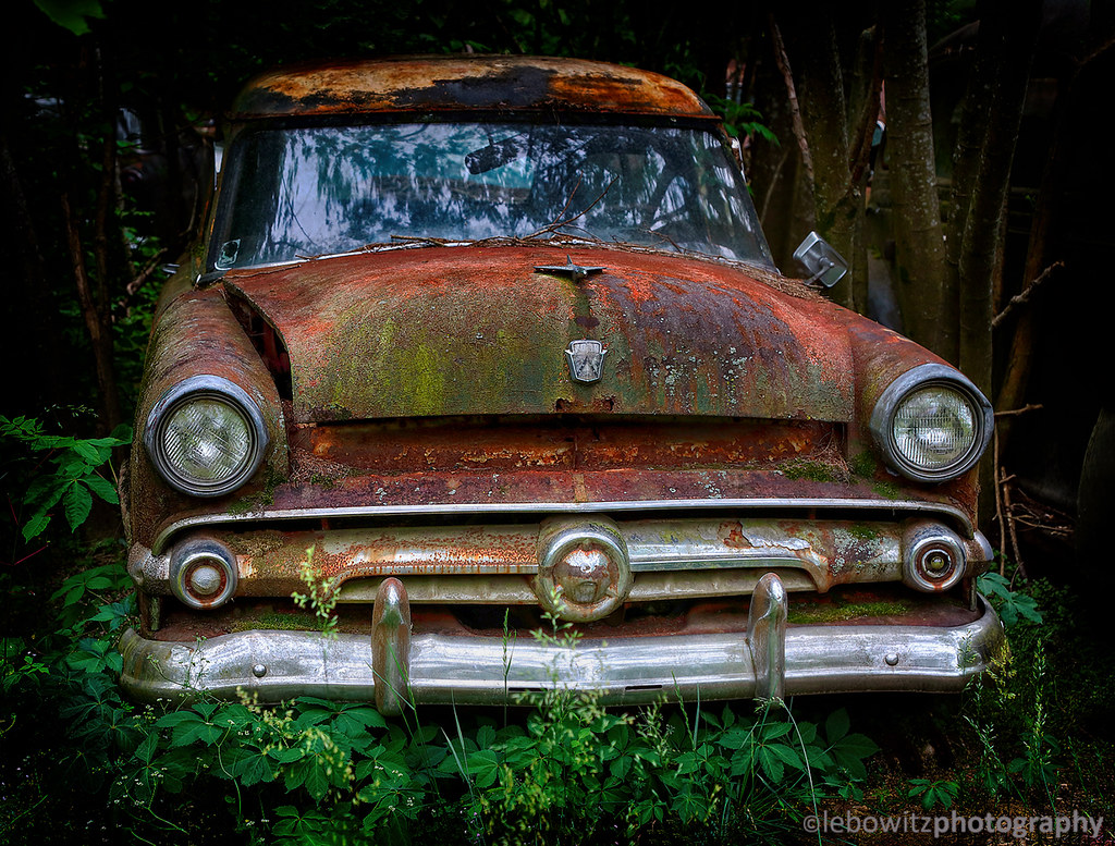 Rusty old vehicles in Georgia | Isaac Lebowitz | Flickr