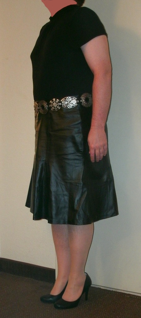 b7e52cad197 ... Black Leather Skirt   Metal Belt