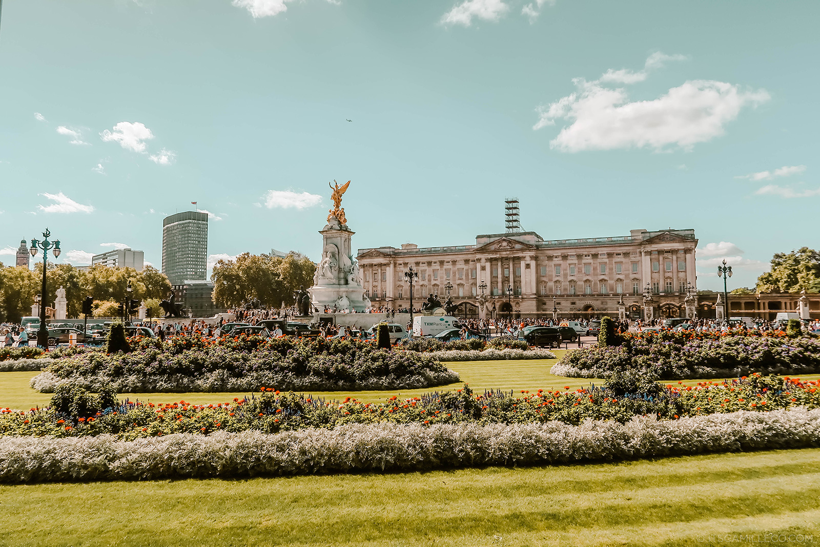 Buckingham Palace - Camille Co
