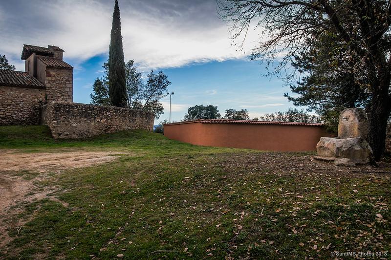 Sant Llop de Viabrea y el cementerio