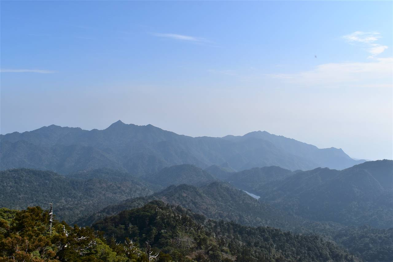 太忠岳山頂からの展望(愛子岳)