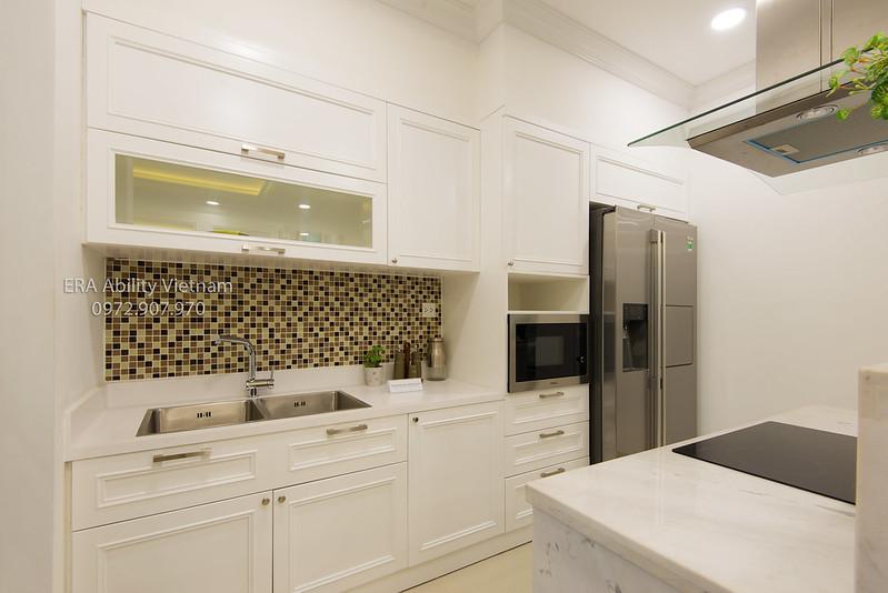 Phòng bếp nhà mẫu Celadon City