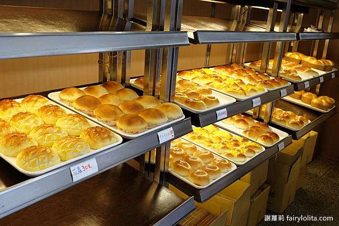 42165358341 1032619dfd b - 台中藏阿胖-羅芙青蔥麵包 | 一出爐秒殺狂掃30個,每日限量1500個、二小時就完售!