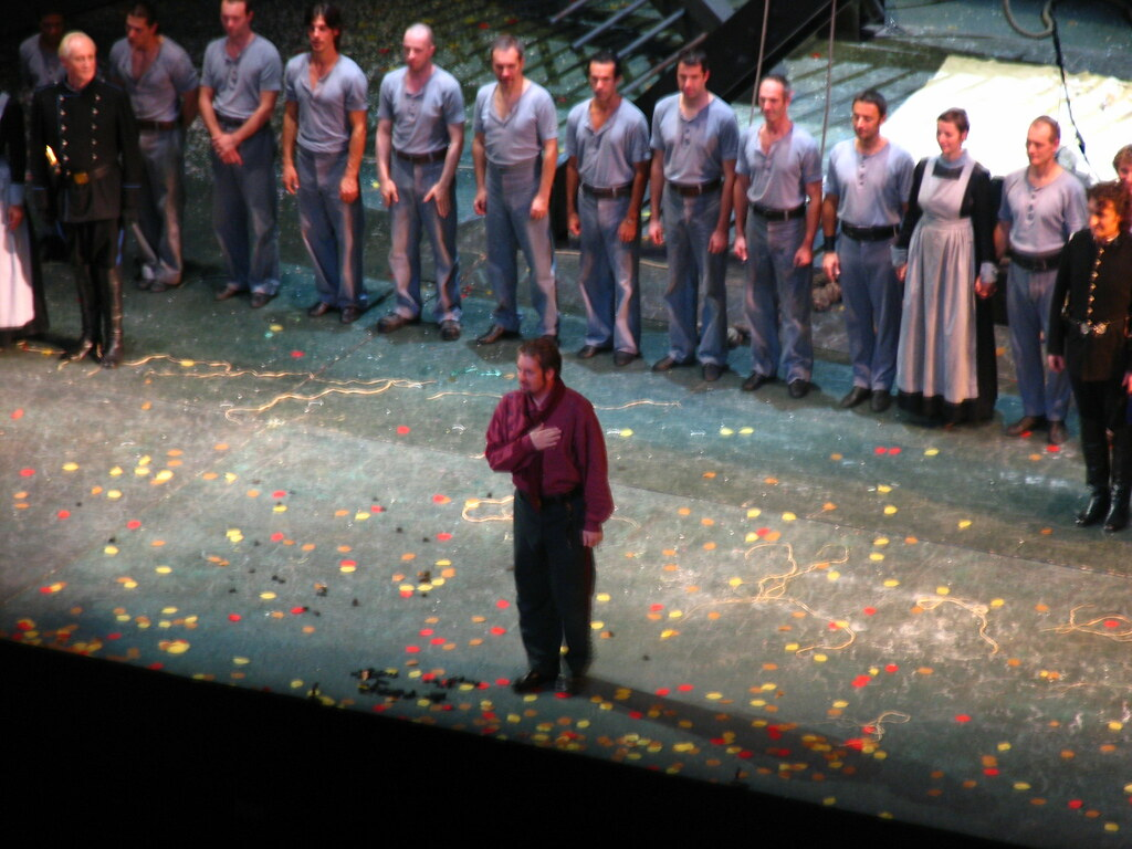 lucia di lammermoor dessay Here's a curiosity la favorita and la favorite coexisted throughout the past century, and before joan sutherland and luciano pavarotti popularized la fille du régiment in the 1960s, most opera fans probably knew it as la figlia del reggimento many of donizetti's operas have coexisted in both french and italian versions.