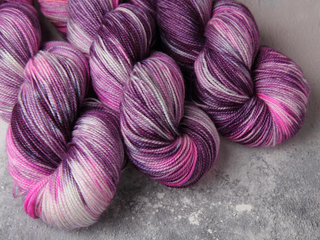 Favourite Sock – hand-dyed superwash merino wool yarn 4 ply/fingering 100g – 'Radioactive Grape'