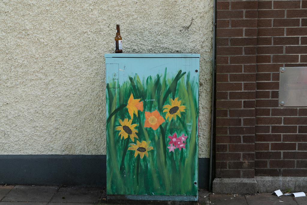 EXAMPLES OF PAINT-A-BOX STREET ART 002
