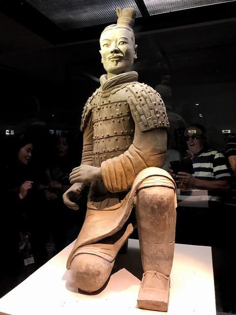 Guerrero de terracota: Arquero arrodillado (Xi'an, China)