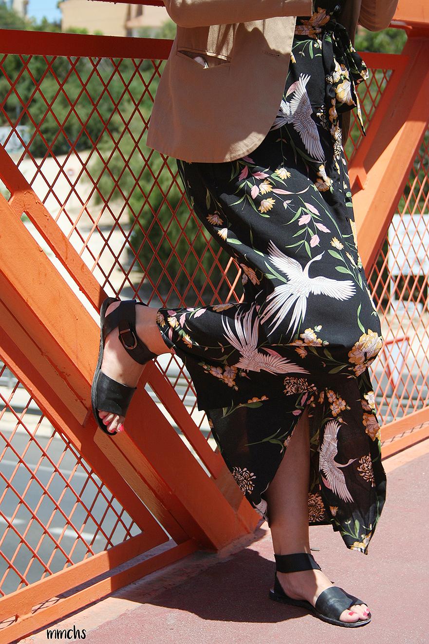 vestido largo camisero con sandalia plana