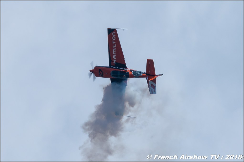 Extra 200 - F-GPIT Voltige avion avec Nicolas IVANOFF , Meeting Aérien Gap-Tallard 12 mai 2018 - Alpes-Envol , Association AGATHA Canon EOS , Sigma France , contemporary lens , Meeting Aerien 2018